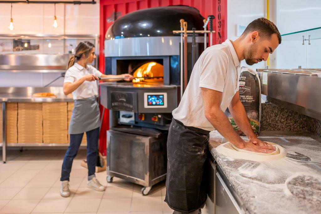 Nicolas et Audrey, gérants de Jordan Tomas Pizza Lyon Montchat